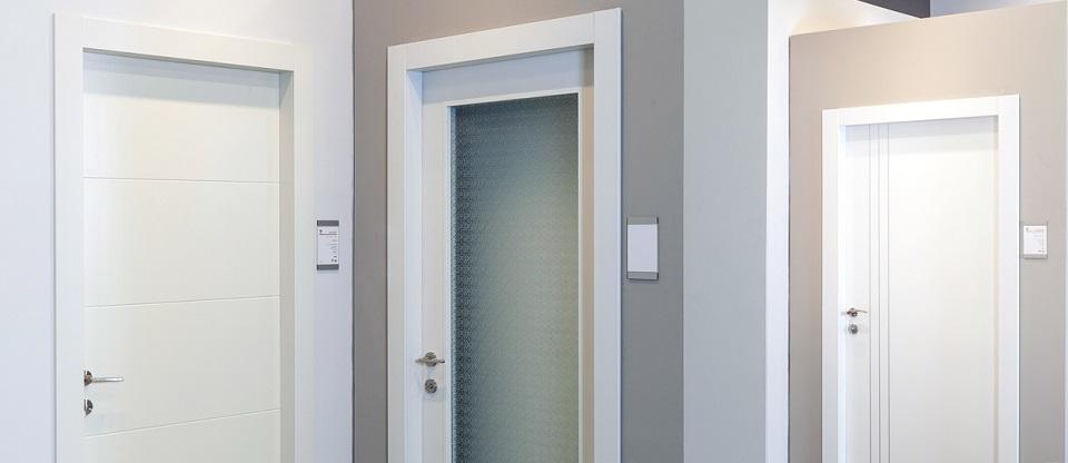 10 פרמטרים מרכזיים להשוואת איכות של דלתות פנים