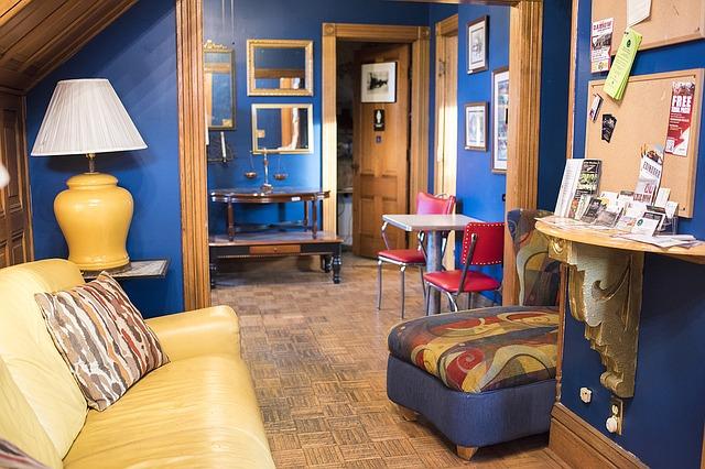 עיצוב הבית - חידוש ריהוט בצבע